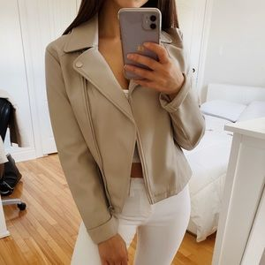 GREY LEATHER JACKET SMALL